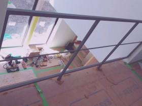 木造民家 鉄骨にて階段手摺製作取付致しました。