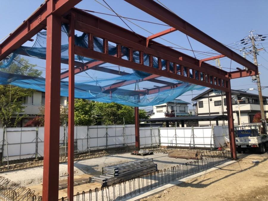 愛知県豊田にて鉄骨工事。